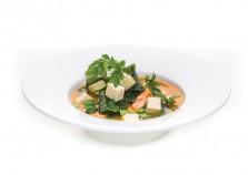 Miso - japońska zupa z łososiem, wakame, serkiem tofu i szczypiorkiem